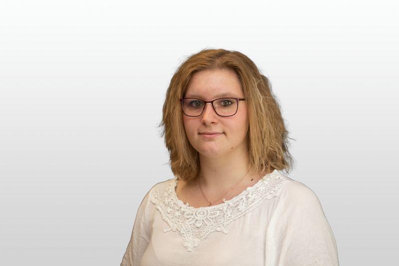 Frau Celina Pätzig