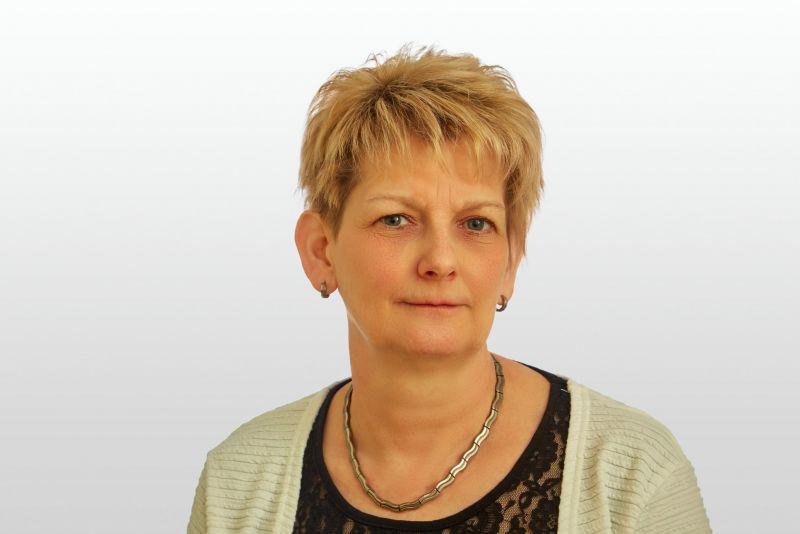 Frau Madeleine Adam
