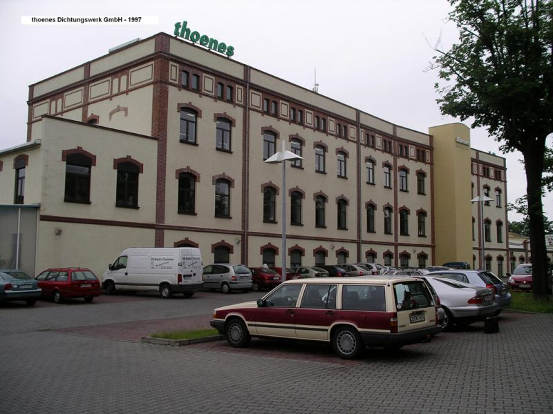 media/image/Thoenes-Dichtungswerk1997-1024x768px.jpg